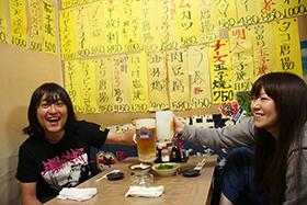 左から中村一義、小谷美紗子。