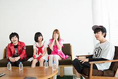 左から成田大致、ケンドー・チャン、塚本舞、ヒャダイン。