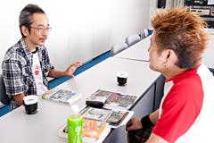 写真左から和嶋慎治、吉田豪