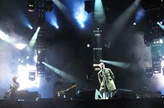 「FUJI ROCK FESTIVAL '09」でのoasisのライブの様子。©Masanori Naruse