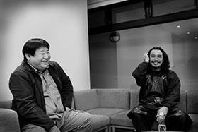 左から西村賢太、伊藤雄和。