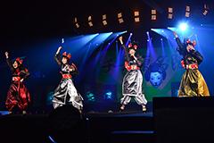 チーム東名阪(左から堀くるみ、安本彩花、真山りか、大黒柚姫)