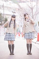 左から田口華、野津友那乃。