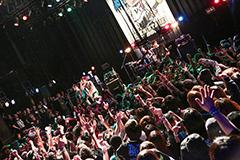 "「THICK FESTIVAL 2016 ""Shinji is still drinking!!""」の様子。(Photo by watanabe'kool'syo)"