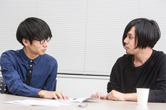左からゆーまお(Dr)、シノダ(G,Cho)。