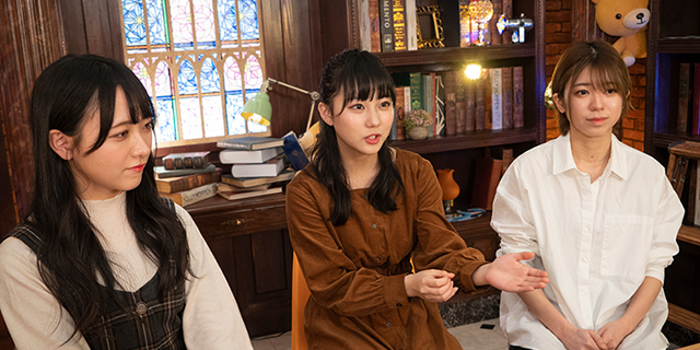 左から石田千穂(STU48)、大西桃香(AKB48 チーム8、チーム4)、田中美久(HKT48)。
