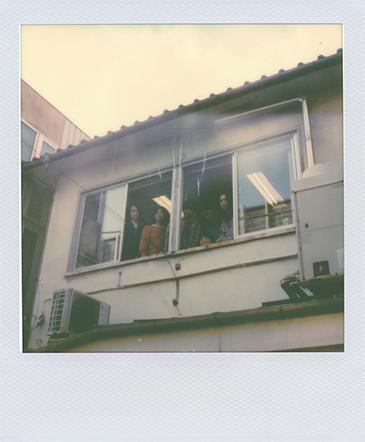 シャムキャッツと山中俊太朗、勢井彩華。althouseのオフィスの窓を開け払って。