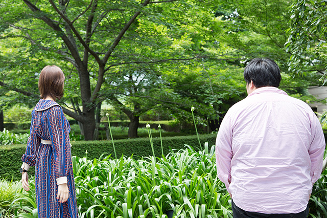 左からKaede(Negicco)、澤部渡(スカート)。