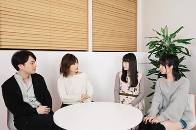 左から茂木伸太郎、山下まみ、長縄まりあ、吉岡茉祐。