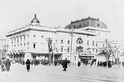 旧帝国劇場の外観。(写真提供:東宝演劇部)