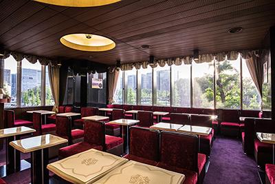 喫茶店「帝劇2階喫茶室」店内の様子。