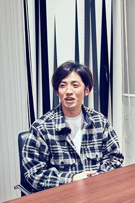 長島涼平(B, Cho)