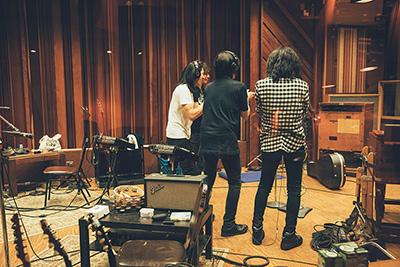 THE YELLOW MONKEY「9999」レコーディング時の様子。