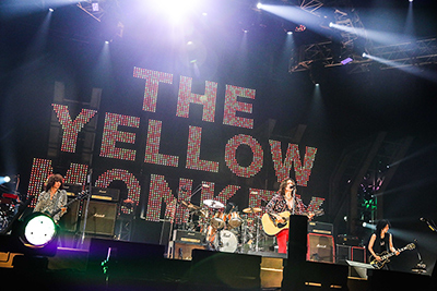 「THE YELLOW MONKEY SUPER JAPAN TOUR 2019 -GRATEFUL SPOONFUL-」グランメッセ熊本公演の様子。