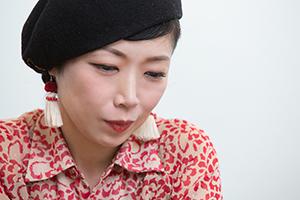 伊東妙子(G, Vo)