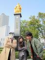 トミタ栞にとってドラマ初収録となった岐阜駅の織田信長公の銅像前。