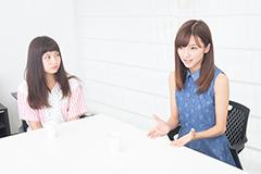 左からトミタ栞、真野恵里菜。