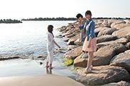 写真左からNao☆、Megu、Kaede。