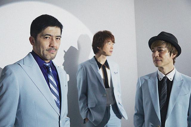 左から谷中敦(Baritone Sax)、茂木欣一(Dr)、NARGO(Tp)。