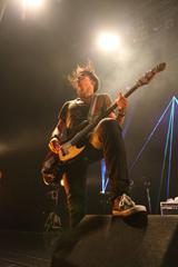 田淵智也(B)UNISON SQUARE GARDEN(2012年4月21日の東京・Zepp Tokyoワンマンライブより。Photo by 森久<Hisashi Mori>)