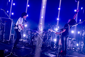 "UNISON SQUARE GARDEN「USG 2020 ""LIVE (in the) HOUSE 2""」の様子。(Photo by Viola Kam[V'z Twinkle])"