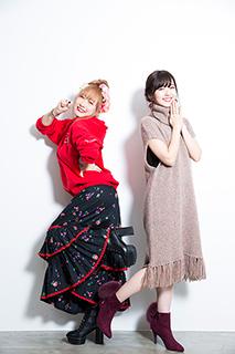 左から理姫、鈴木愛理。