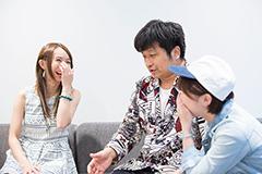 左からF チョッパーKOGA(Gacharic Spin)、大谷ノブ彦(ダイノジ)、竹内朱莉(アンジュルム)。