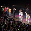 UFIが歌い終えると、ステージには@川島プロダクションのスタッフたちも登場。