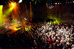 「VAMPS WORLD TOUR 2013 in LONDON」の模様。
