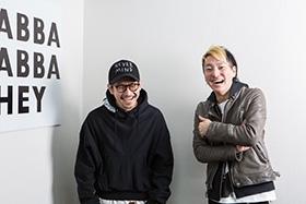 左から渡辺淳之介、松隈ケンタ。