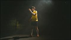「Jails」のビデオクリップのワンシーン。