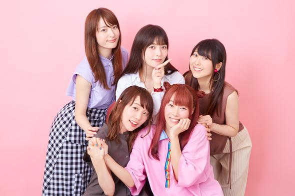 下段左から小原好美、成瀬瑛美、上段左から小松未可子、上坂すみれ、安野希世乃。