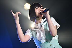 「カオスフェス presents 夢眠祭前夜祭 supported by ヴィレッジヴァンガード」神奈川・Yokohama Bay Hall公演の様子。