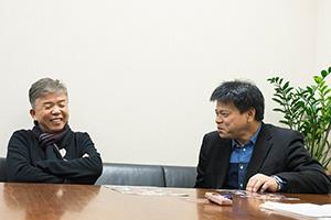 「ドキュメンタル」シーズン6を振り返る村上ショージ(左)とジミー大西(右)。