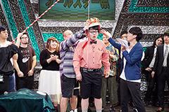 第5話より、お笑いライブ「渋谷オールスター祭」に出演する芸人たち。