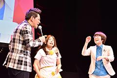 左から、ますだおかだ岡田とHENHEN事変。