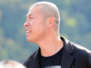 「奥会津満喫ツアー 銀シャリ、和牛、アキナの絶景漫才!」の様子。