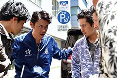 映画「アウトレイジ 最終章」より、原田泰造演じる丸山(中央左)。