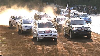3台が連結した状態でレーススタート。