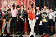 チーモンチョーチュウ菊地のブレイクダンスに挑むエルシャラカーニしろう。