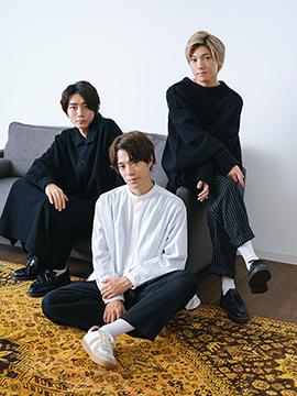左から長妻怜央、真田佑馬、安井謙太郎。