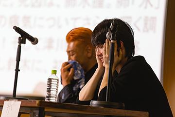 第1回「いきなり本読み!」の様子。左から後藤剛範、神木隆之介。©︎坂本彩美