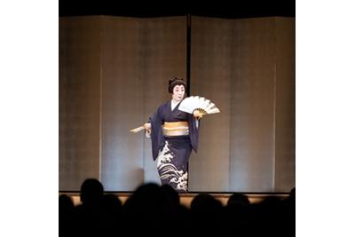 日本舞踊 ©KOS-CREA / 写真提供:国際交流基金