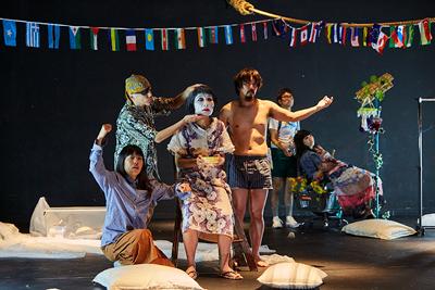 現代演劇シリーズ―松井周演出「自慢の息子」  ©Yukari Isa / 写真提供:国際交流基金