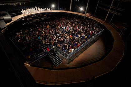 「マハーバーラタ~ナラ王の冒険~」より。©Christophe Raynaud de Lage 写真提供:国際交流基金