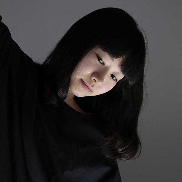 青柳いづみ©︎篠山紀信