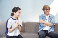 左から五月女ケイ子、しりあがり寿。