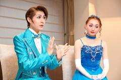 左から楊琳、舞美りら。