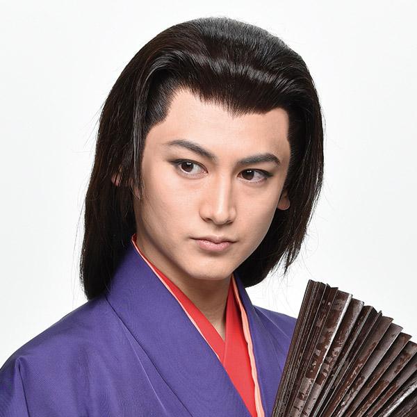 佐藤永典扮する瓦版屋三吉、実は桂木一郎。