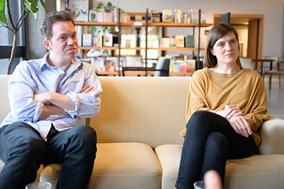 左からエティエンヌ・ビドー=レイ、ジゼル・ヴィエンヌ。